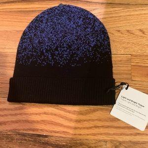 Lululemon blue & black winter running beanie